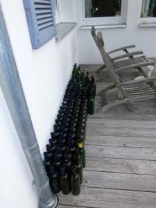 lege, schone wijnflessen