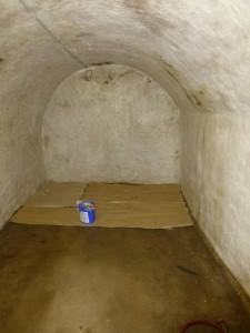 de Felsenkeller (de emmer witkalk staat klaar voor gebruik)