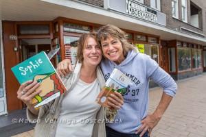 Anne Vellinga en Monique Burger voor De Nieuwe Boekhandel in Amsterdam
