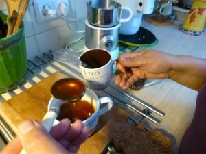 schep berghoning in warme olijfolie