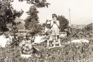 Jan Vellinga met zijn kinderen - Ardennen